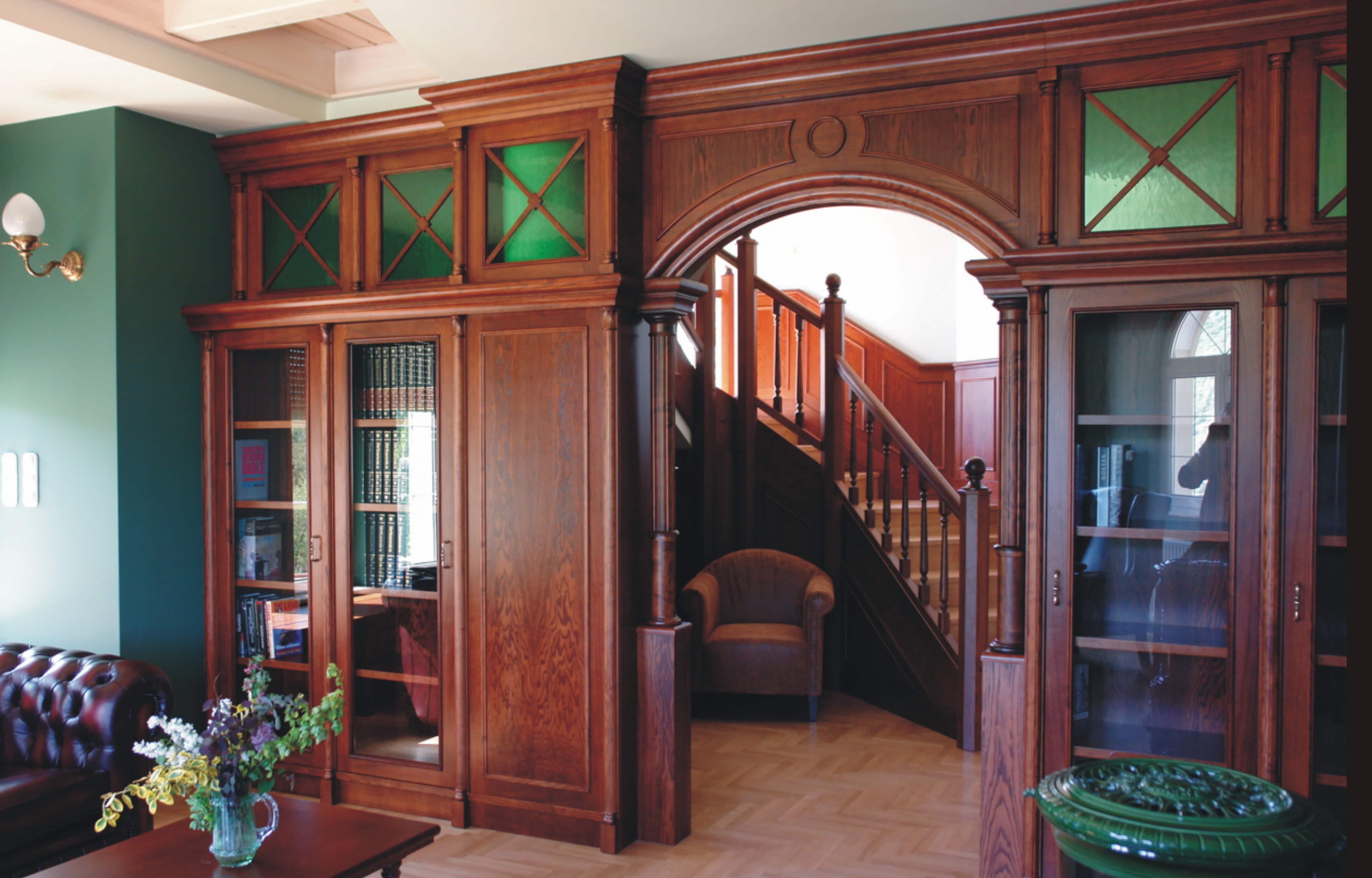 Átjáró és lépcsőház , Tervezte : Belloni Ákos